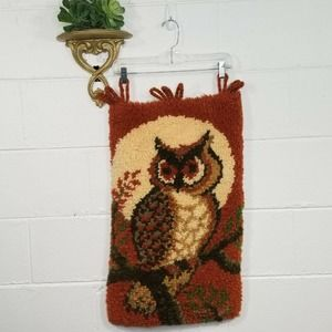 """Vintage Latch Hooked Rug Owl Wall Art 17"""" wide x 29"""" long Loops for Pole"""